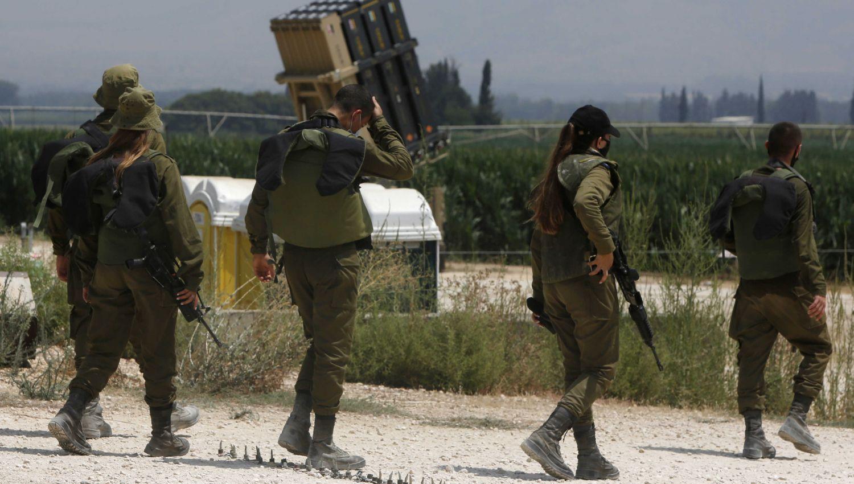 هآرتس: الجيش الإسرائيلي مشلول كلياً خوفاً من ارتكاب خطأ