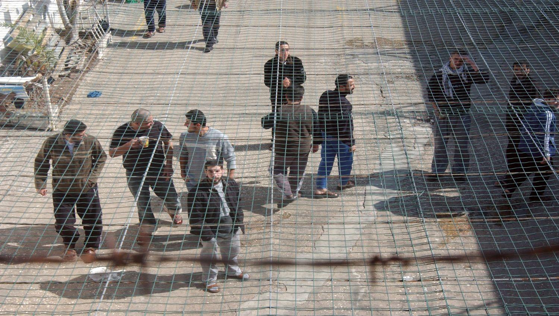أكثر من مليوني فلسطيني دخلوا سجون الاحتلال منذ 67