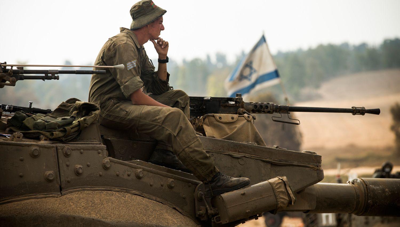 """معاريف: شروط الاستسلام التي تفرض على """"إسرائيل"""" أخطر من النووي الإيراني"""