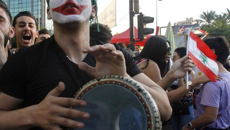 """هل حراك """" 17 تشرين"""" ثورة ملونة!"""